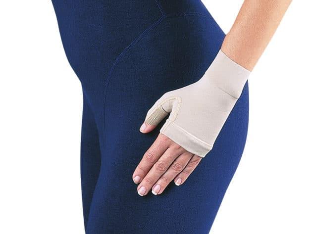 Bella Lite Unisex Gauntlet provides gentle medical grade compression to the hand
