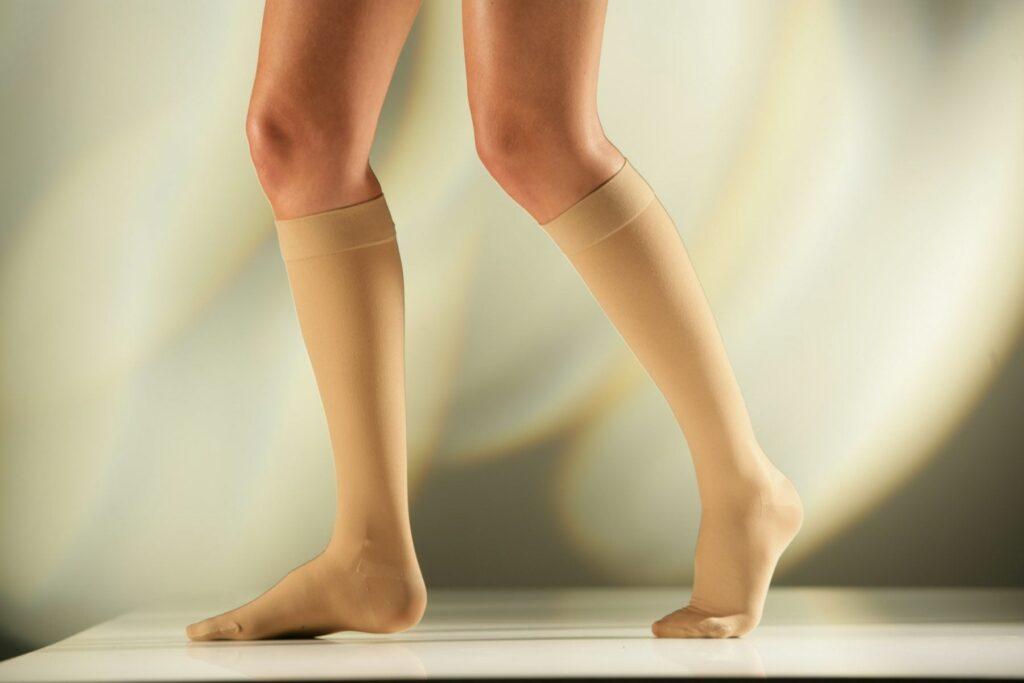 Sigvaris Knee High Socks 23-32mmHg CII (762)