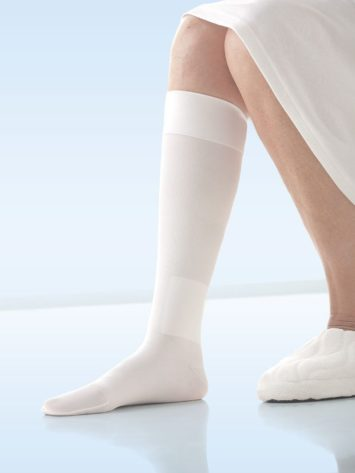 JOBST® UlcerCare Knee High ners