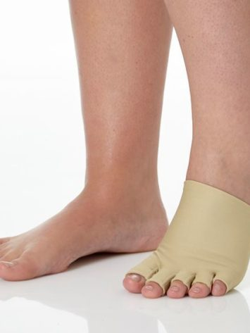 JOBST® Farrow Toe Cap available in left or right foot