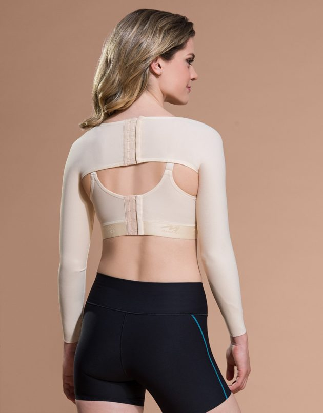 Marena sleeve adjusts at the back