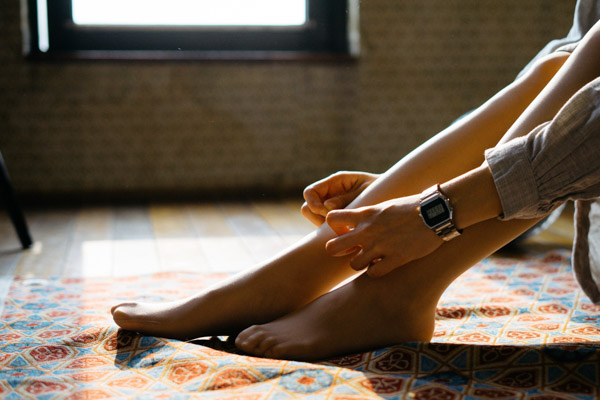 How to put on compression stockings with ease